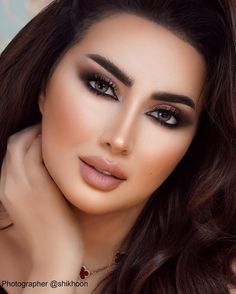 Health Hair Care Advice To Help You With Your Hair. Do you feel like you have had way too many days where your hair goes bad? Soft Eye Makeup, Glam Makeup, Simple Makeup, Hair Makeup, Makeup Art, Most Beautiful Faces, Beautiful Girl Image, Beautiful Eyes, Dull Hair