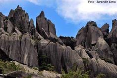 Pico das Agulhas Negras - Parque Nacional Itatiaia - Minas Gerais / Rio de Janeiro - Brasil, via Flickr.