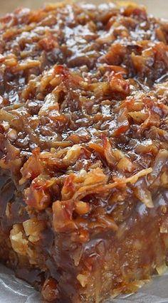 Caramel Coconut Pecan Oatmeal Cake More Karamell-Kokosnuss-Pekannuss-Haferflocken-Kuchen mehr Köstliche Desserts, Delicious Desserts, Yummy Food, Health Desserts, Baking Recipes, Cake Recipes, Dessert Recipes, Picnic Recipes, Food Cakes