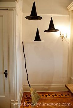 Easy DIY Indoor Halloween Decor and Display Ideas; Halloween home Decor ideas; trick or treat 2019 near me ideas 2019 Easy DIY Indoor Halloween Decor and Display Ideas Harry Potter Halloween Party, Soirée Halloween, Adornos Halloween, Manualidades Halloween, Holidays Halloween, Outdoor Halloween, Halloween Season, Diy Halloween Decorations Indoor, Halloween Candles