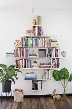 DIY Diamond Shaped Book Shelves