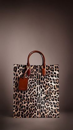 89dd314e37 Burberry Prorsum Autumn Winter 2013 Show - Spotted Animal Print Tote Bag.  I m rocking this on a Saturday w jeans and a black turtle neck.