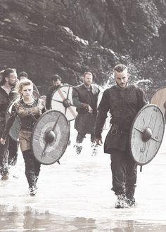 Together in love, together in battle. Vikings :: History Channel :: Ragnar Lothbrok (Travis Fimmel), Lagertha Lothbrok (Katheryn Winnick)