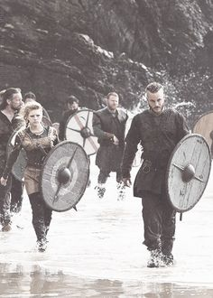Together in love, together in battle. Vikings :: History Channel :: Ragnar Lothbrok (Travis Fimmel), Lagertha Lothbrok (Katheryn Winnick)