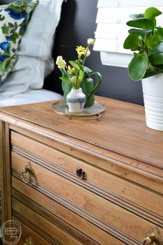 How to Bring a Piece of Furniture Back to a Natural Wood Finish – Refresh Living - Diy Möbel Natural Wood Dresser, Natural Wood Furniture, Natural Wood Finish, Grey Wood Furniture, Furniture Projects, Furniture Plans, Furniture Makeover, Diy Furniture, Furniture Refinishing