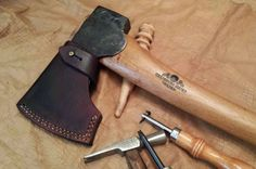 Why axe maintenance is so important? How to work out that wobble axe handle? What is the best way to sharpen your axe? Leather Diy Crafts, Leather Gifts, Leather Projects, Leather Craft, Handmade Leather, Gransfors Bruks Axe, Survival Gear List, Survival Essentials, Survival Skills