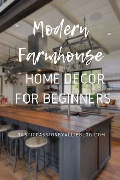 Do you struggle to know how to bring your rustic home design style to life? It will look like Joanna Gaines herself designed your home. #rustickitchen #kitchendecor