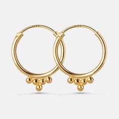 Smukke indisk inspirerede mini hoops.  Sterlingsølv (925), belagt med 18 karat guld, blankpoleretfinish, diameter: 1,5cm.  Varenummer: 9207a.