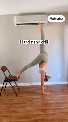 Gymnastics Stretches, Gymnastics Skills, Gymnastics Workout, Yoga Videos, Workout Videos, Exercise Videos, Workout Routines, At Home Workouts, Yoga Fitness
