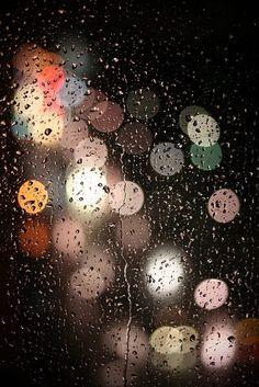 Bokeh rain and city lights Bokeh Photography, Night Photography, Rainy Night, Rainy Days, Rainy Mood, I Love Rain, Singing In The Rain, Singing Tips, Rain Drops
