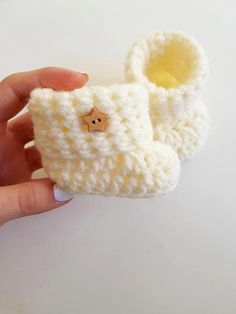 Crochet Pattern Easy Beginner pattern Baby Booties infant NewBorn PATTERN PDF Crochet pattern Baby Shoes Size months Written in US terms Newborn Crochet Patterns, Crochet Baby Booties, Crochet Patterns For Beginners, Easy Crochet Patterns, Baby Patterns, Baby Food Jar Crafts, Mickey Mouse Baby Shower, Handmade Baby Gifts, Baby Slippers