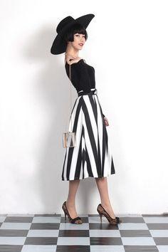 Women's Black White Stripes Hepburn Style Vintage High Waist Umbrella Skirts Pleated Mini Skirt, Midi Skirt, Black White Stripes, Black And White, Umbrella Skirt, Fantasy Women, High Waist, Floral Prints, Lady