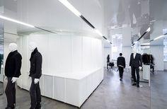 revista-magazine-visualmerchandising-escaparatismo-retail-versace-showroom-vishopmag-002