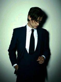 Oh sweet Jesus, this man! Hot damn! ♥