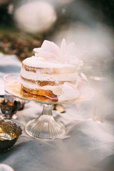 Träumerische Lieblichkeit & Hochzeitsträume MARI FOTO http://www.hochzeitswahn.de/inspirationsideen/traeumerische-lieblichkeit-hochzeitstraeume/ #wedding #cake #inspiration