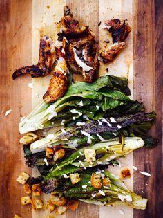 Grillattu salaatti caesarin tyyliin