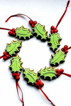 #Christmas #cookies holly wreath ToniK ℬe Meℜℜy julietstallwoodcakesandbiscuits.co.uk