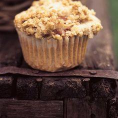 Muffins croustillants aux pommes | Ricardo Muffin Recipes, Breakfast Recipes, Cranberry Orange Muffins, Ricardo Recipe, Cake Factory, Apple Crisp, Delish, Biscuits, Bakery