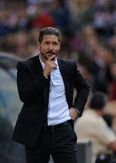 Diego Cholo Simeone, sembra desitnato a diventare il nuovo allenatore del Chelsea. I rumors che filtrano dall'Inghilterra parlano di....