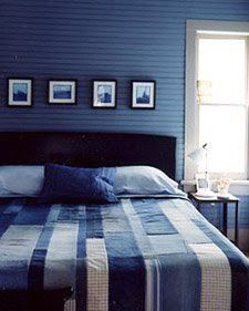 "Creative Chicks: Denim Quilt  I love this idea with the theme of ""blue room""!"