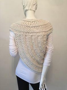 Crochet Poncho, Hand Crochet, Katniss Everdeen, Cowl, Boho Chic, Looks Great, Crochet Patterns, Knitting, Sweaters