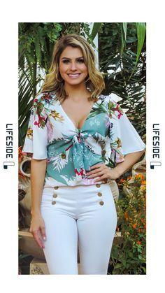LIFESIDE | Moda Feminina Preview Primavera 2018. #Fashion #ModaFeminina #LookDoDia #Looks #ModaPrimaveraVerao #Lifeside #Lookbook Spring Summer 2019 Lookbook #Moda #Fashion #OOTD #SpringSummer2019 #Look #Estilo #Style Teen Fashion, Fashion Outfits, Womens Fashion, Moda Chic, Girls Blouse, Western Outfits, Trendy Tops, Office Outfits, Feminine Style