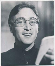 una foto rara de john Lennon Rare Beatles