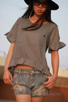 Gray shirt short top Linen blouse with ruffled sleeves