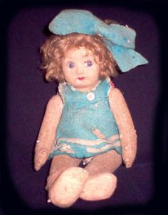 The Stories Behind These 17 Real-Life Haunted Dolls Will Give You The Creeps Chucky, Antique Dolls, Vintage Dolls, Cursed Objects, Haunted Objects, Strange Beasts, Haunted Dolls, Haunted Houses, Beautiful Dark Art