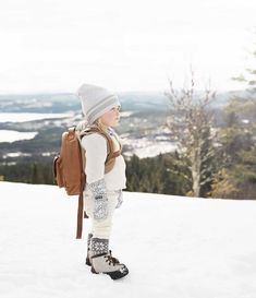 Elodie Details, BackPackMINI - Chestnut Leather, Winter Beanie - Gilded Grey, Mittens - Dots of fauna
