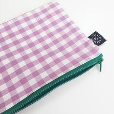 CHECK pouch (lavender)