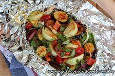 Sugestão de #almoço nutritivo e com baixas calorias? Faça esses deliciosos e simples Legumes Assados no Forno!  #Receita aqui: http://www.gulosoesaudavel.com.br/2014/08/27/legumes-assados-forno/