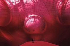 108081_l-interieur-de-l-installation-du-sculpteur-anish-kapoor-au-grand-palais-a-paris-le-9-mai-2011[1]                                                                                                                                                                                 More