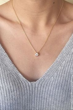 Love this necklace! Simple, sweet, and super cute with just about everything<3 | honeybeeboutiqueonline.com