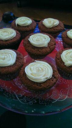 Cupcakes de chocolate con crema de vainilla