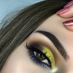 eyes: PRISM @norvina @anastasiabeverlyhills #prismpalette ( sphere, lucid, obsidian, dimension, parallel, osiris) & @thebalmeu liquid eyeliner schwing brows: @abhjunkiess #dipbrowpomade in medium brown lashes: @lashe.pl Butterfly *kod -15% na rzęsy lashe w sklepie lipstickfreak.pl 'ALEKSANDRA15' #girl #polishgirl #girlpower #abhgirl #brunette #mood #potd #peachy #look #lashes #brows #abhbrows #makeup #mua #makeuplove #makeupdolls #makeuplover #eyemakeup #anastasiabeverlyhills #abh #mak...