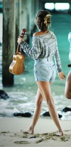 Indie but very subtle beach girl I love this outfit, but I REALLY WANT HER UKULELE.