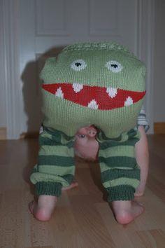 duBedåre: Monsterbukser - oppskrift! strikket rundt ;-)