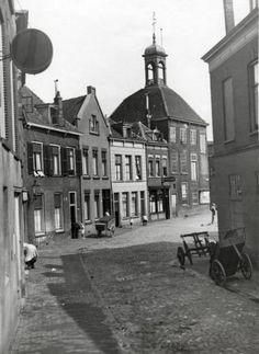 De oude sluis in Schiedam. Nederland, datum onbekend.