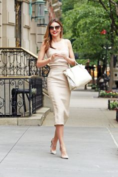 """""""Casual evening out in July? Let me just pull out my full beige ensemble and make it not look boring,"""" said no one ever, except Miranda Kerr. Miranda is wearing Miu Miu sunglasses and a Nina Ricci bag. Miranda Kerr Outfits, Miranda Kerr Street Style, Dress Outfits, Cool Outfits, Dress Up, Fashion Outfits, Beige Dress Outfit, Nyc, Beige Dresses"""