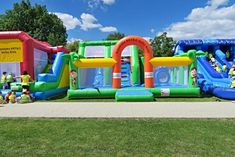 Jumping, inflatable castles for kids with your logo print, wide selection of colors and customized branding options. Inflatable bouncy castles made in EU. Inflatable Bounce House, Inflatable Slide, Logo Shapes, Bouncy Castle, Indoor Playground, Garage Design, Water Slides, Things That Bounce, Custom Design