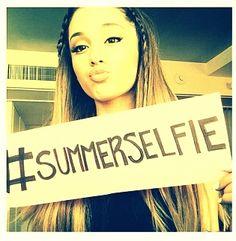 Ariana Grande #SummerSelfie