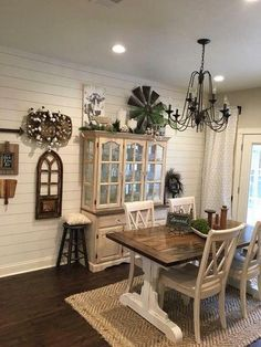 23 Rustic Farmhouse Dining Room Furniture and Decor Ideas Interior Design Farmhouse Dining Room Table, Country Farmhouse Decor, Dining Room Furniture, Modern Farmhouse, Farmhouse Ideas, Country Dining Rooms, Furniture Ideas, Dining Chairs, Farmhouse Interior