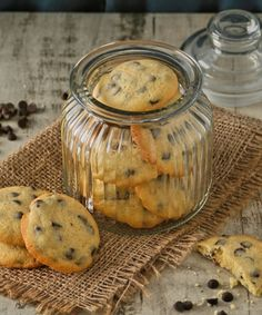 Cookie jar New Autumn Recipes, Dark Chocolate Chips, Chocolate Chip Cookies, Easter Weekend, Egg Hunt, Cookie Jars, Tray Bakes, Stuffed Mushrooms, Lunch Box