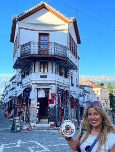 Beautiful corner with typical Otoman house, Gjirokaster, Albania Hand Embroidery Projects, Albania, Times Square, Corner, House, Travel, Beautiful, Art Blog, Viajes
