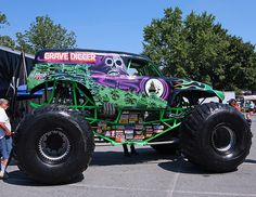 to run over zombies with. And for fun. Monster Jam, Monster Truck Show, Zombie Monster, Monster Truck Birthday, Monster Trucks, Cool Pictures, Cool Photos, Truck Pulls, Futuristic Cars