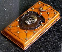 Купить или заказать Чехол для смартфона из кожи растительного дубления в интернет магазине на Ярмарке Мастеров. С доставкой по России и СНГ. Срок изготовления: 3-5 дней. Материалы: натуральная кожа. Размер: 75х152х15 мм