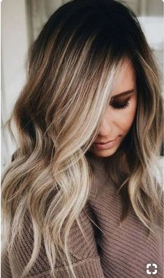 The Balayage highlights should be very close and soft at the root leading to a thicker highlight 2018 at the ends of the hairs for various hair lengths. See here the most charming and cute ideas of balayage hair colors to make you look more cute, sexy and Medium Hair Styles, Natural Hair Styles, Short Hair Styles, Updo Styles, Natural Updo, Style Long Hair, Loose Curls Medium Length Hair, Medium Long Hair, Natural Makeup