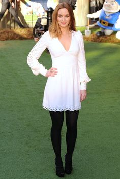 Emily Blunt's white dress with black tights... so chic!