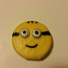 Vanilla Oreo cookie minion
